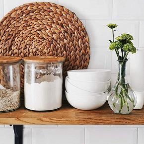 Kitchen Accessories & Decorations