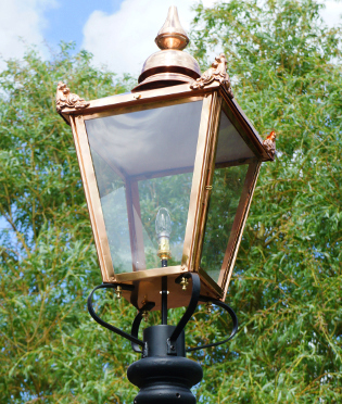 Lamp Posts And Lanterns