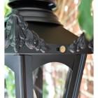 Close up of embellishments on corner finials