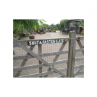 Shut & Fasten Gate Sign