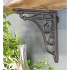 Cast iron bracket for living room shelf