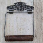 'Victoria' Natural Iron Toilet Roll Holder