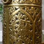Detailed image of foliage pattern on umbrella stand