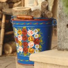 Hand Painted Log Bucket XXL in Situ