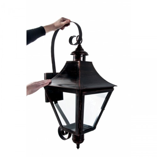 Bronze wall lantern