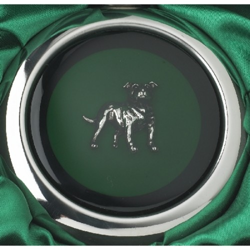 Close-up of the Jack Russell on the Whiskey Flask