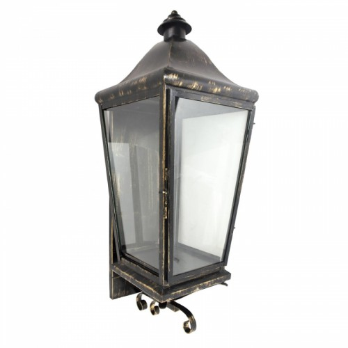 Traditional Wall Lantern Finished in an Antique Bronze
