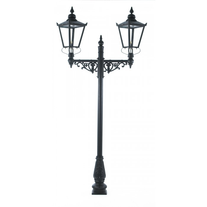 Dual Headed High Mast Column And Lantern Set High Mast