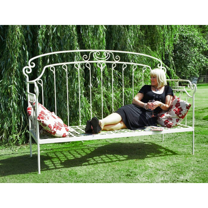 Quot Marabell Lane Quot Traditional Iron Day Bed Iron Garden
