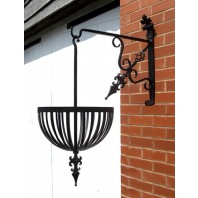 """Fenwick"" Hanging Flower Basket & Matching Bracket"