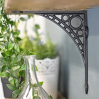 """Iron Bridge"" Shelf Bracket 22 x 22cm"
