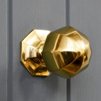 Octagonal Pointed Center Door Knob