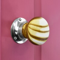 Stone Effect Bright Chrome Door Knobs