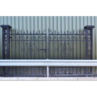 """Cempbell Court"" Deluxe Driveway Entrance Gates"