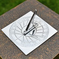 """Rising Sun"" Bright Chrome Sundial 120mm (4¾"") Dia"