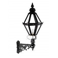 Craven Lantern on Capella Bracket