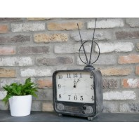 Quirky Retro TV Style Clock
