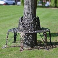 Black & Gold Ornate Tree Seat
