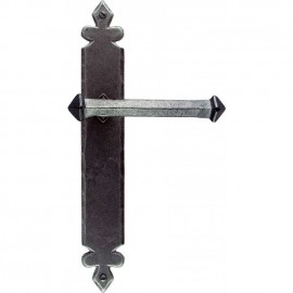 Tudor Lever Latch Set Finished In Pewter