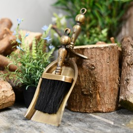 """""""Coven Hall"""" Cast Iron Brush and Pan Set"""