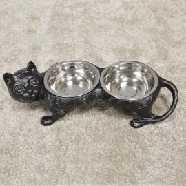 Black Iron Cat Dish in Situ in the Home