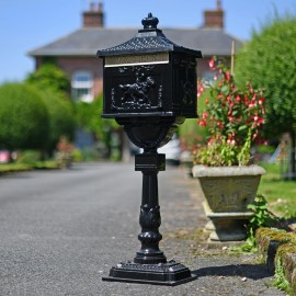 Freestanding driveway secure post box