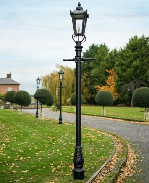 2.7m Black Victorian Garden Lamp Post Set