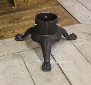Cast Iron Christmas Ornate Tree Holder in Black