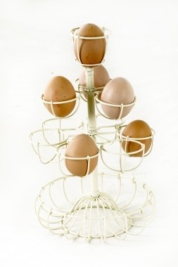 Dainty Delia Egg Rack & Holder