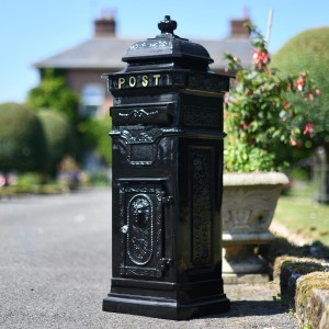 """Blackberry Harvest"" Black Camden Deluxe Free Standing Post Box"