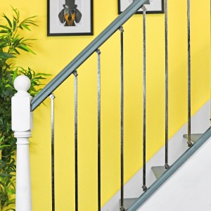 """Allegro"" Polished Bright Chrome Stair Spindle"