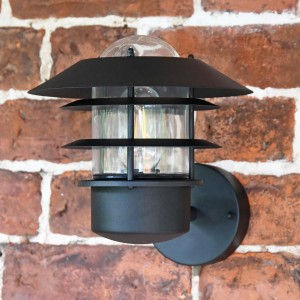 'Skive' Black Contemporary Wall Light