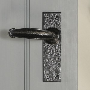 """Acerno""  Traditional Iron Lever Handle"