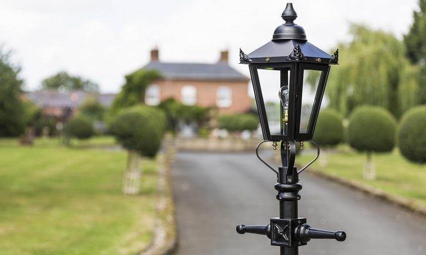 Square Victorian Lantern Top In Black