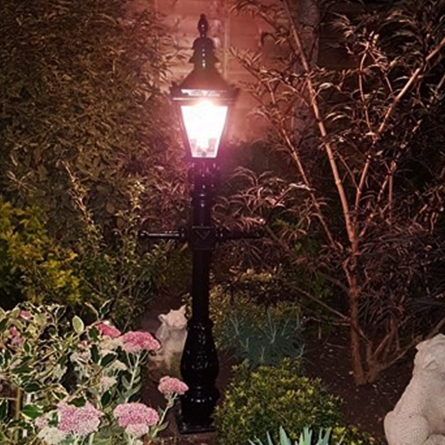 Small lamp post for garden