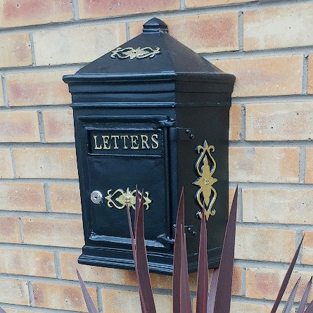 Wall mounted post box in black with lock