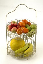 The �Lille� fruit and cake stand