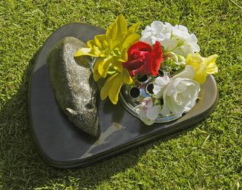 Pet Memorial Amp Vase Bronze Finish Hamster Pet