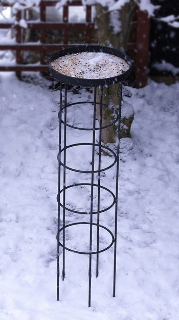 Quot Hummingdale Quot Wrought Iron Bird Table Bird Baths Amp Bird